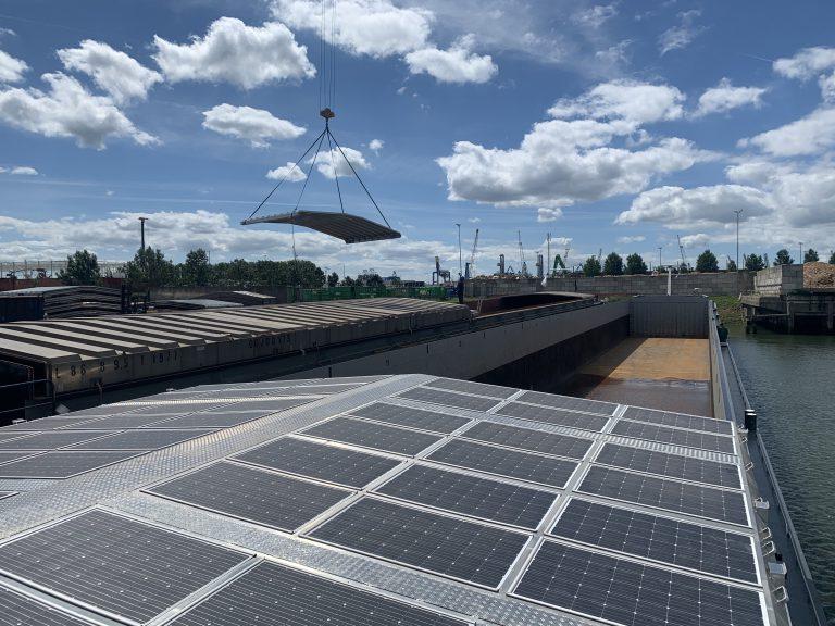 Binnenschepen met solarluiken